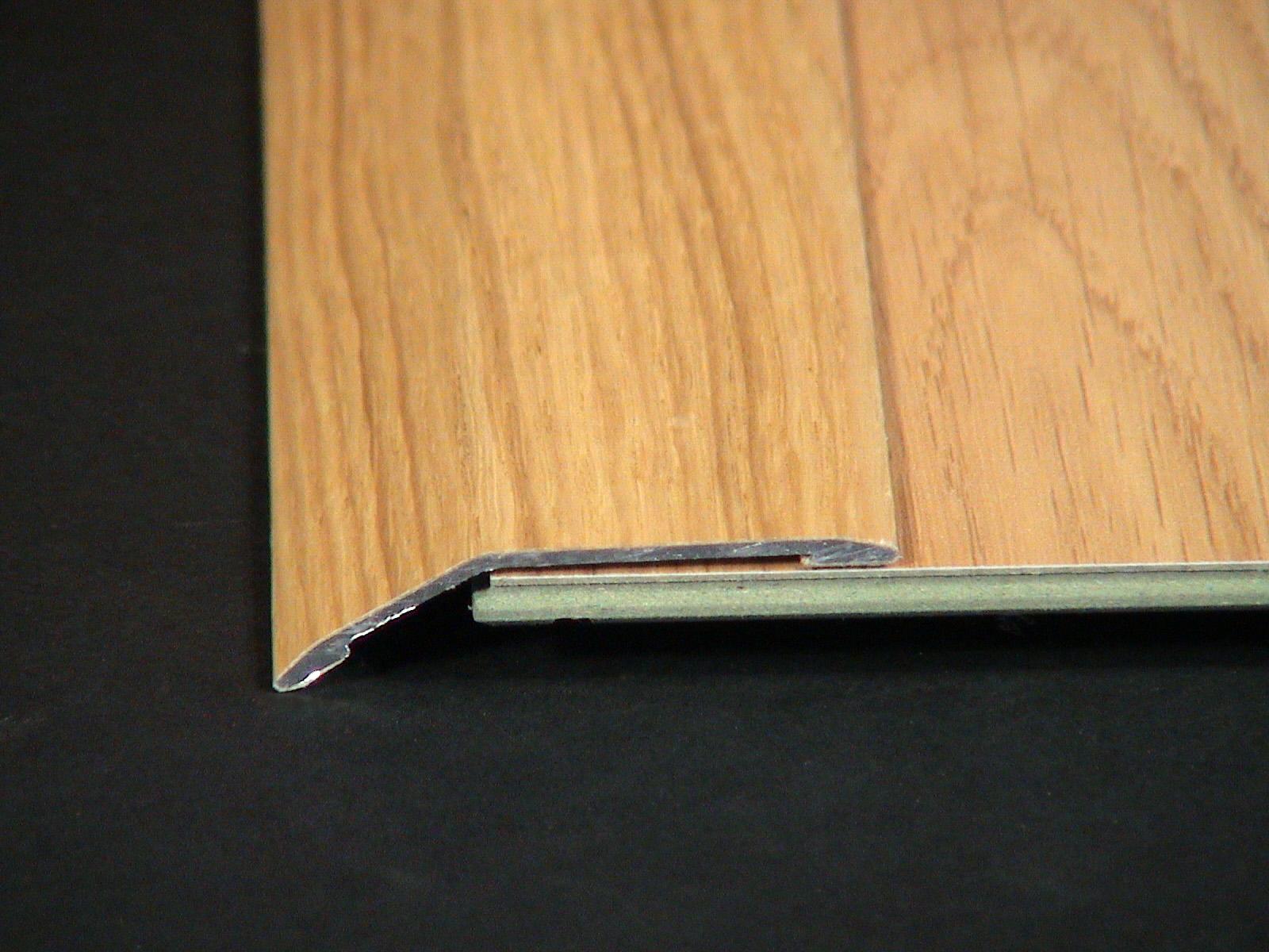 3 suelos laminados y flotantes ref 25b barnizadas cblasan for Suelos laminados adhesivos